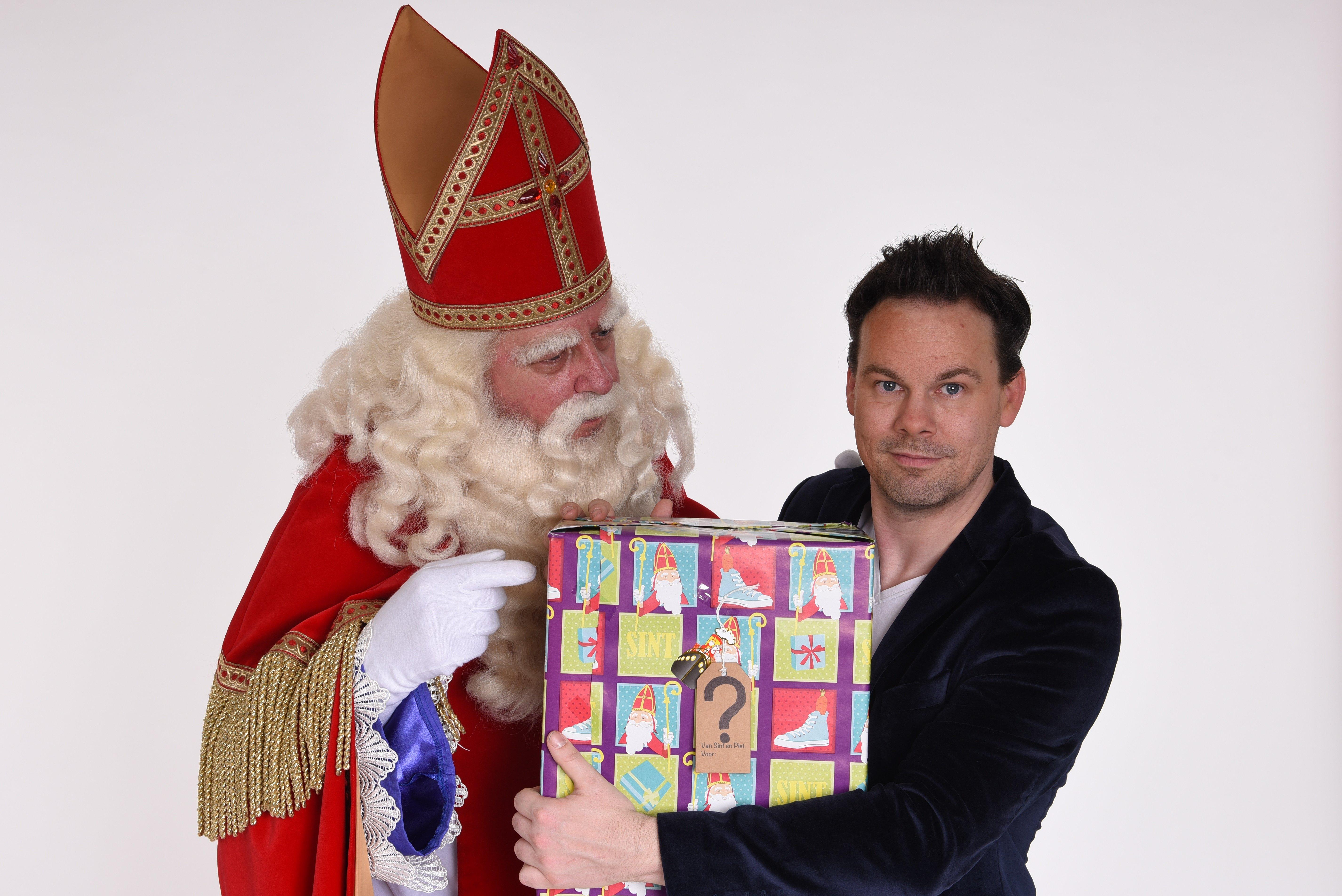 Sinterklaas, cadeau zonder naam