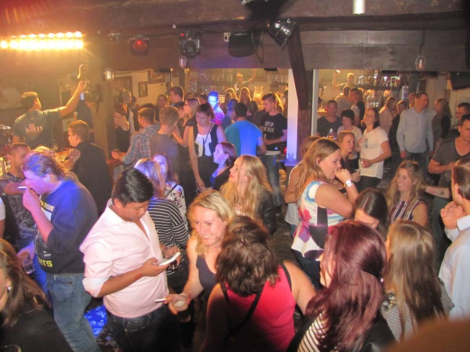 Bar Dancing De Koets
